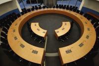 Der Sitzungssaal im Ausschuss