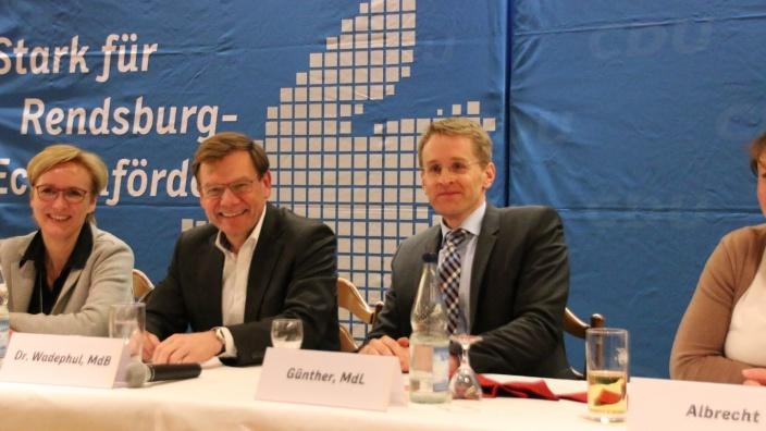 Johann Wadephul gratuliert den Kandidaten für die Landtagswahl 2017